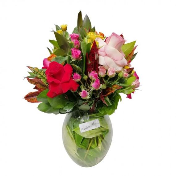 Arranjo com Rosas Colombianas e Mini Rosas Elegância