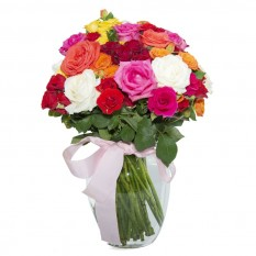 Arrangement with Mini Roses and National Roses