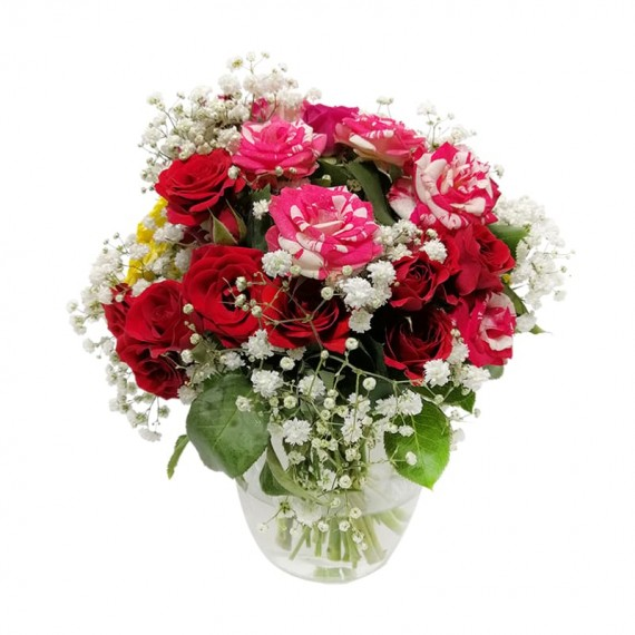 Arranjos de Mini Rosas com vaso de vidro e Gipsofilas