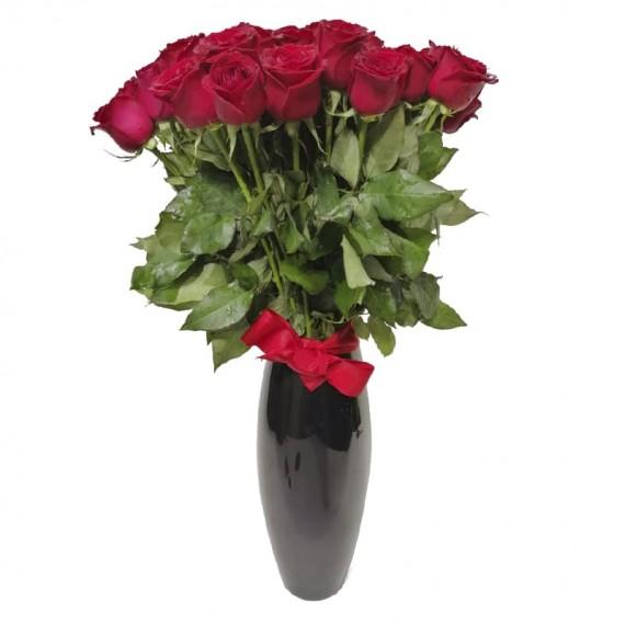 Arranjo com 80 Rosas Nacionais Vermelhas