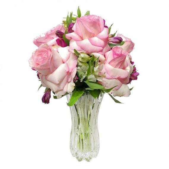 Arranjo com 7 Rosas Colombianas em m vaso especial