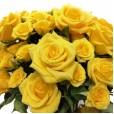 Arranjo de Rosas e Mini Rosas Amarelas