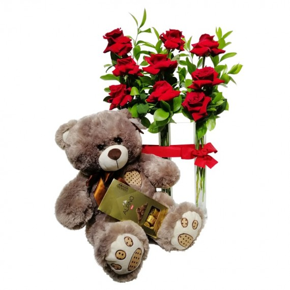 Triple Arrangement with Colombian Roses, Teddy Bear and Alpino Chocolate