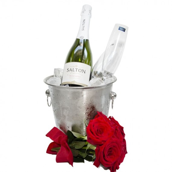 Stainless bucket with Salton Champagne, 2 glasses and bouquet of roses