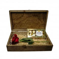 Traditional Surprise Chest 6 - Colombian Rose and Ferrero Rocher 8 units