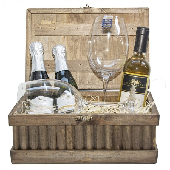 Celebration chest - with 02 sparkling wines, Chilean wine and 02 glasses