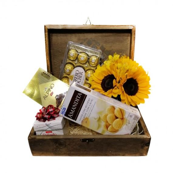 Baú Surpresa Tradicional - Chocolates e Arranjo de Girassol