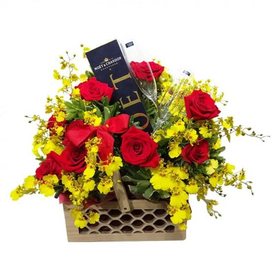 Cesta Luxo II - Rosas, Orquídea Chuva de Ouro, Taças e Champagne