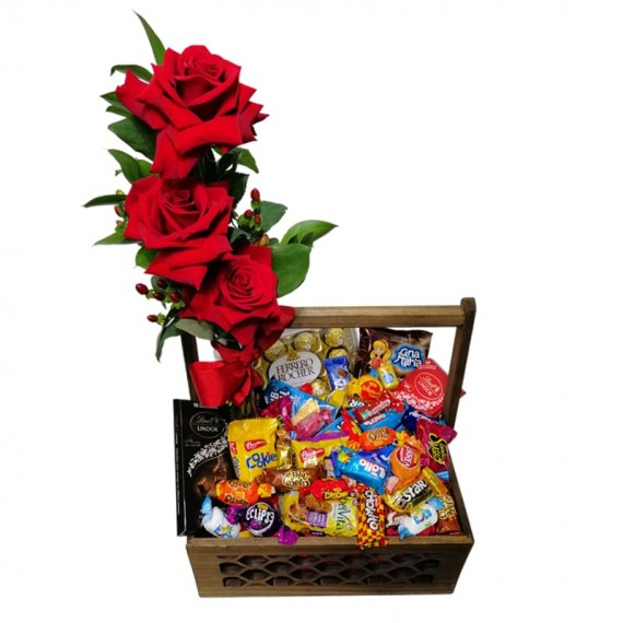 Mix Basket of Colombian Chocolates and Roses III