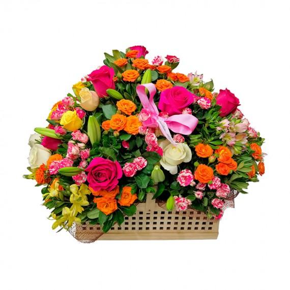Cestas Grande de Rosas e Mini Rosas Carinho