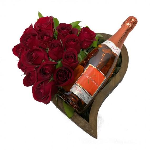 Coração de madeira com Rosas e Champagne Chandon Passion On Ice