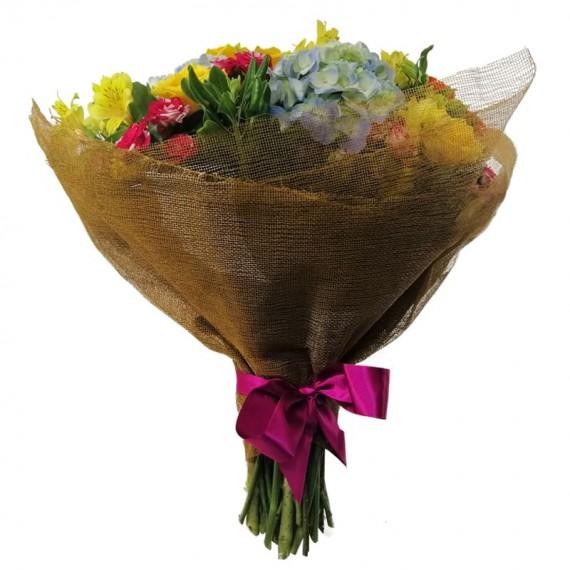 Buquê de Hortênsias, Mini Rosas e Astromélias
