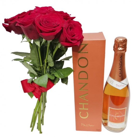 Rustic Bouquet with Colombian Roses and Champagne