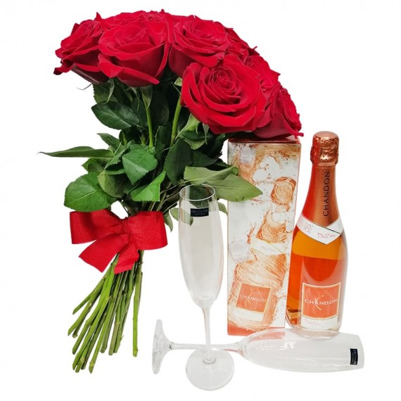 Rustic Bouquet with Colombian Roses, Champagne and Glasses