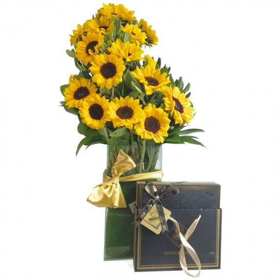Splendid Sunflower Arrangement with Assorted Chocolates Elit Gourmet Collection in Bag I